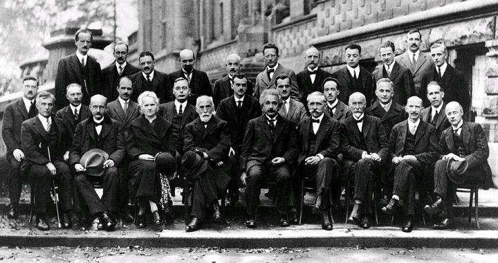 量子力学に貢献した科学者たちの写真